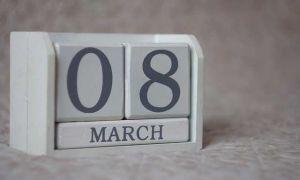 Статусы про 8 марта
