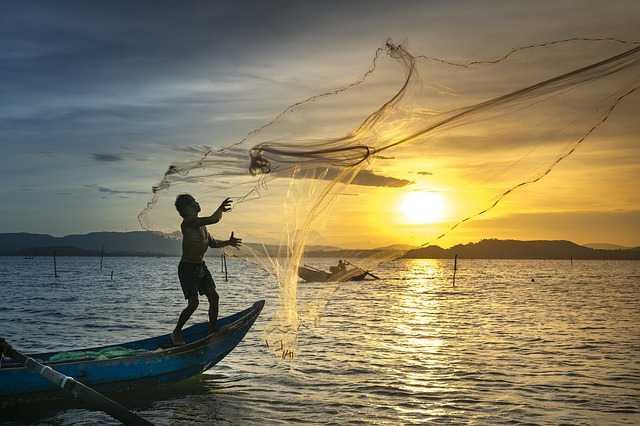 Рыбак на рассвете