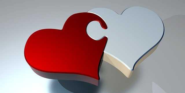 Белое и красное сердца